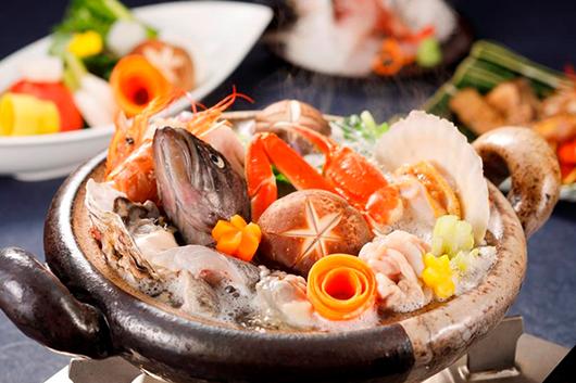 ムード満点の滴の流れる個室で冬の日本海鍋を堪能するプラン