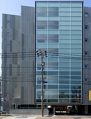 ファースト・K近江町