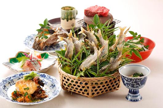 とれたてのホタルイカや山菜を多彩なお料理にて!厳選した富山のワインとのペアリングプラン寒鰤を心ゆくまで