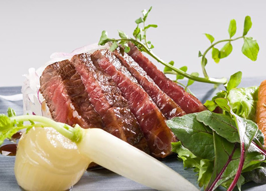 能登牛のステーキ